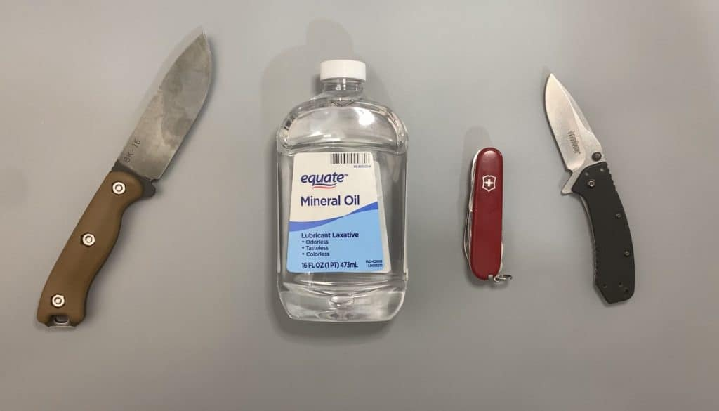 Mineral oil is the best oil for knives